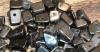 25 Stück Edelsteinsplitter gebohrt Hämatin